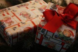 gift-67357_640