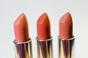 lipstick-1137534_640